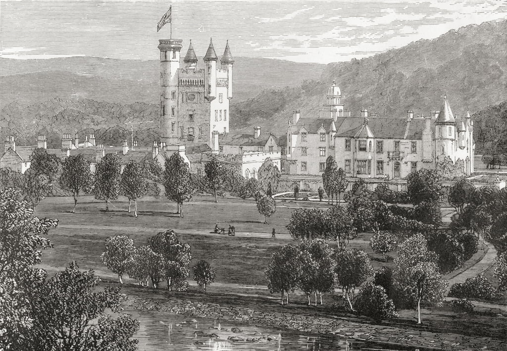 Balmoral Castle, Aberdeenshire, gezien vanaf de rivier Dee, van &39;Scottish Pictures Drawn with Pen and Pencil&39;, door Samuel G. Green, gepubliceerd in 1886 door English School